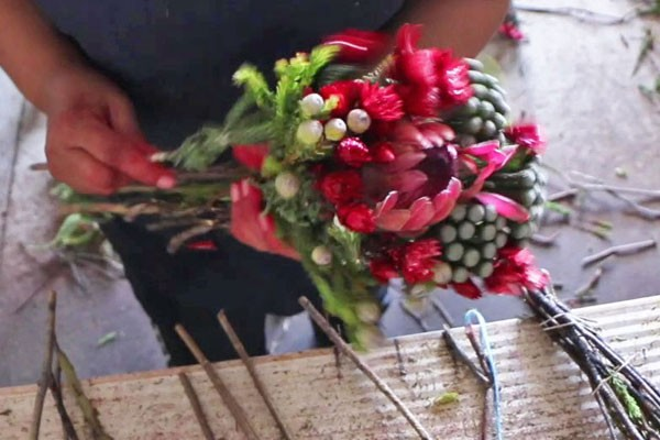 How to make a Valentine's Day bouquet